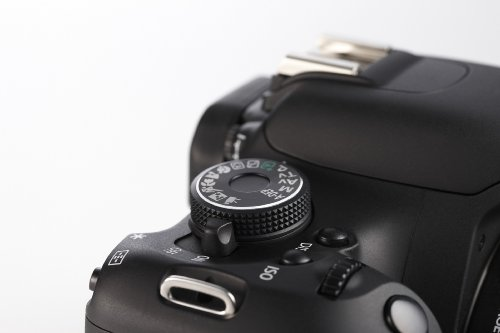 Canon EOS 600D SLR-Digitalkamera (18 Megapixel, 7,6 cm (3 Zoll) schwenkbares Display, Full HD) Kit inkl. EF-S 18-135mm 1:3,5-5,6 IS - 6